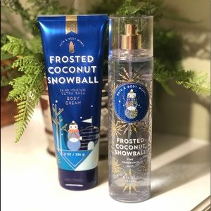 Bath & Body Works - Frosted Coconut Snowball